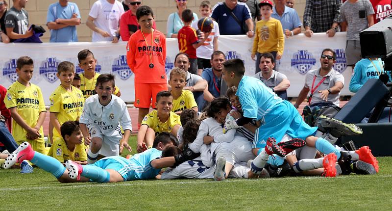 El Real Madrid se adjudica por vez primera la Íscar Cup