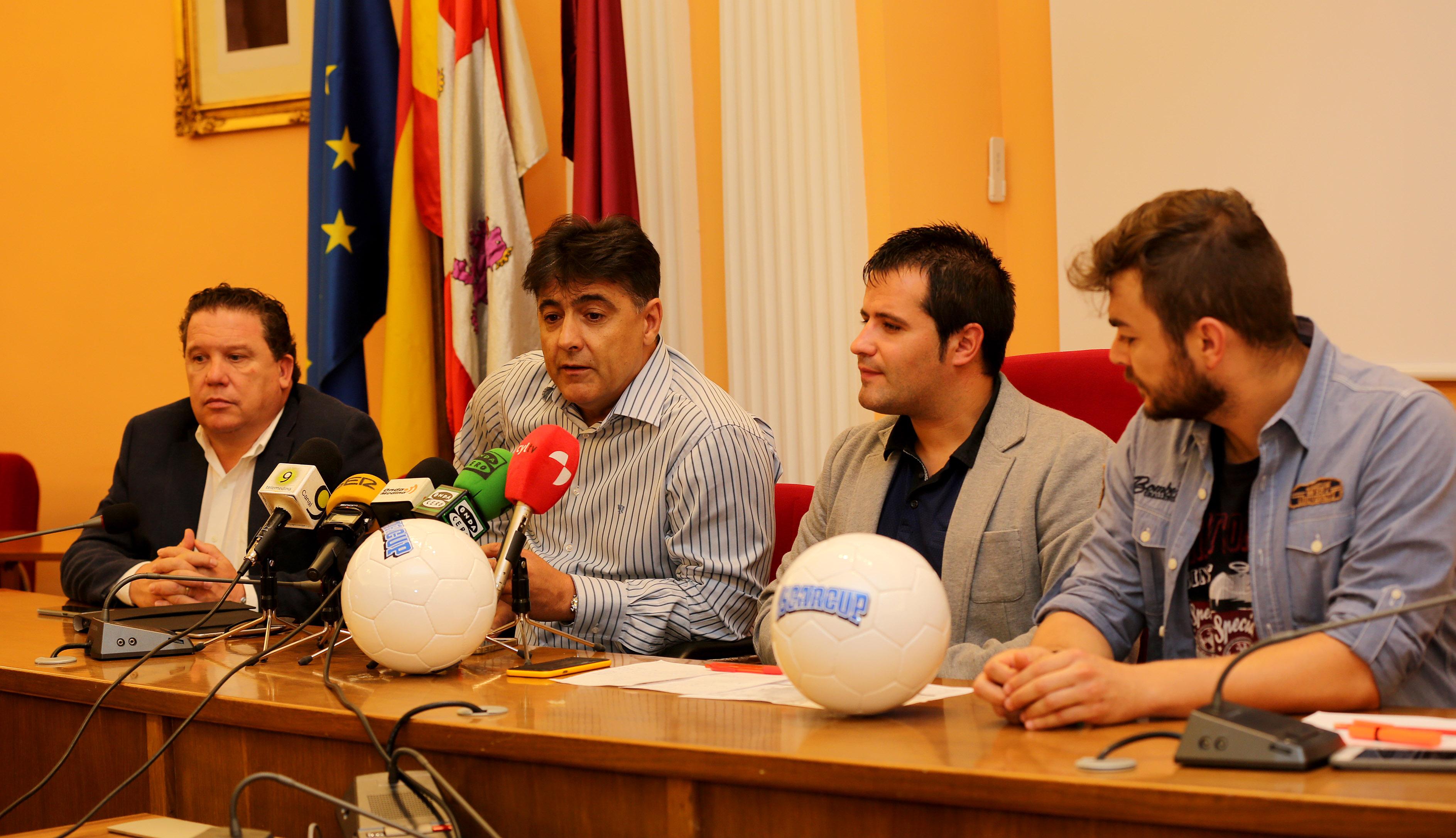 Oscar Cup, Medina del Campo, presentación en ayuntamiento